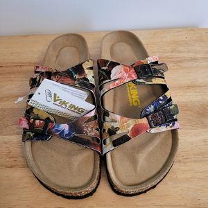 Cute Viking sandals NWT